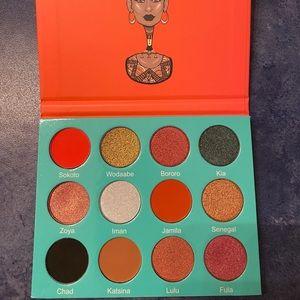 NEW Juvia's Place the Saharan Eyeshadow Palette